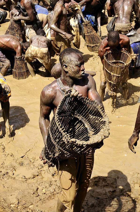 как в африке ловят рыбу